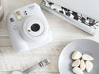 FUJIFILM INSTAX MINI 9 SMOKY WHITE Inkl. Film